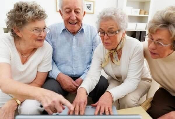 Coliving: idosos estão cada vez mais interessados em cohousing (foto: Barba Feita)