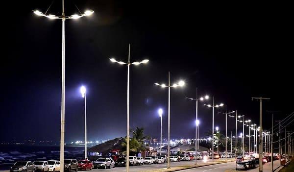 Mobiliário Urbano: iluminação pública em praia (foto: Citelum)