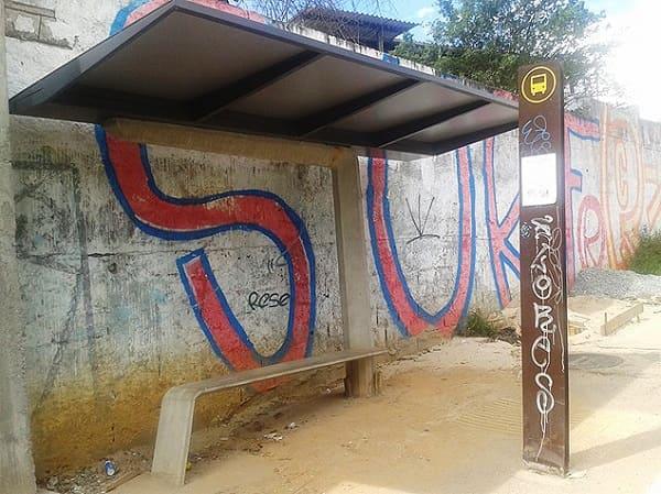 Mobilidade Urbana: Ponto de ônibus simples (foto: Blog Mural - UOL)