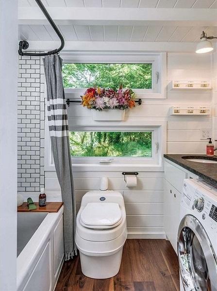 Tiny House: banheiro com lavanderia (foto: Pinterest)