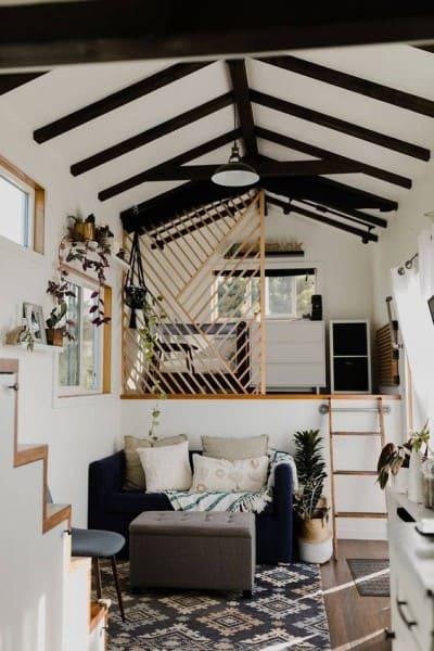 Tiny House com decoração preta e branca (foto: Pinterest)