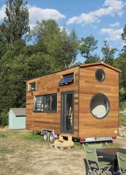 Tiny House com janelas arredondadas (foto: Bento Azevedo)