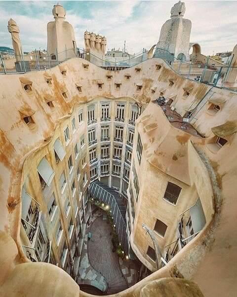 Casa Milà: vista aérea (foto: Pinterest)