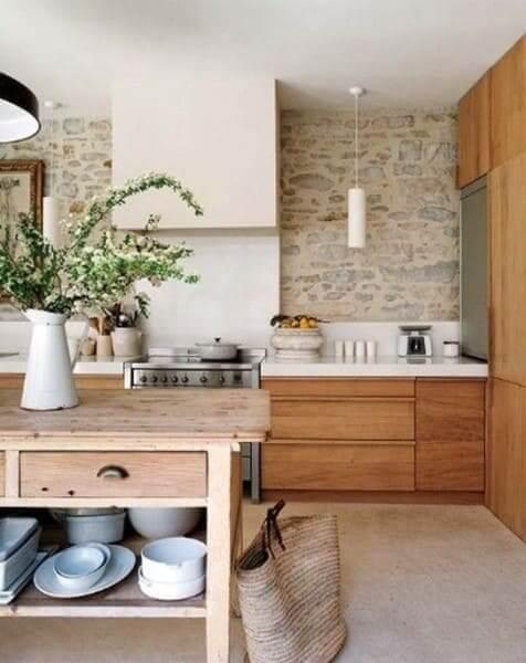 """Pedra Madeira em cozinha com estilo """"Fazenda"""" (foto: Pinterest)"""