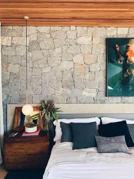 Pedra Madeira em quarto (foto: Pinterest)