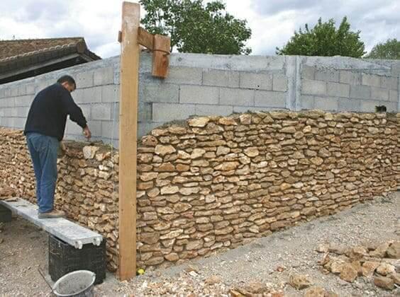 Pedra Madeira: instalação exige mão de obra especializada (foto: Pinterest)