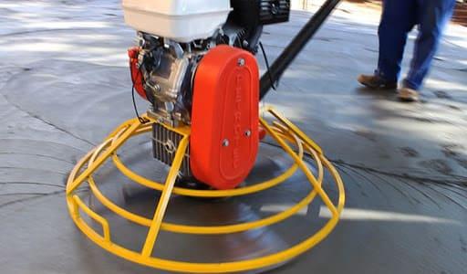 Piso industrial: acabadora de piso (foto: Sindileq)