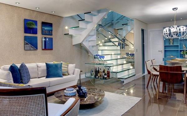8. Quadro de parede para sala com decoração azul (foto: Milla Holtz & Bruno Sgrillo Arquitetura)