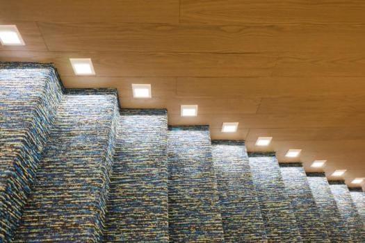 Tipos de iluminação: iluminação de orientação em escada (foto: Eurolume Blog)