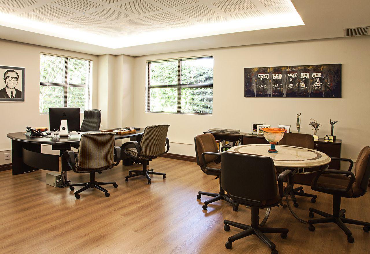 Tipos de iluminação: iluminação indireta em escritório (foto: Ideias Decor)