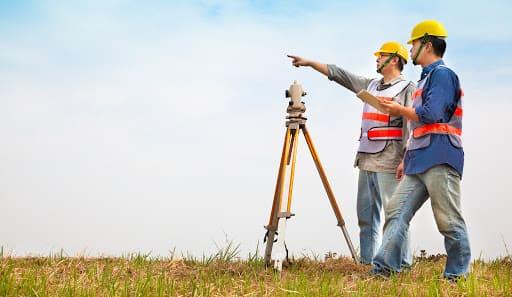 Topografia: o que faz um topógrafo (foto: topogeo.eng.br)