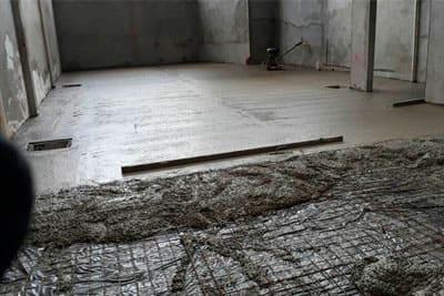 Contrapiso com malha de ferro (foto: Concreto AGMIX)