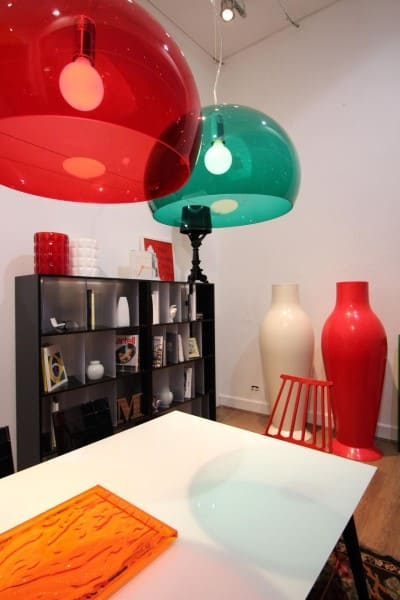 Círculo Cromático: cores complementares - pendentes vermelho e verde (projeto: Bender Arquitetura)