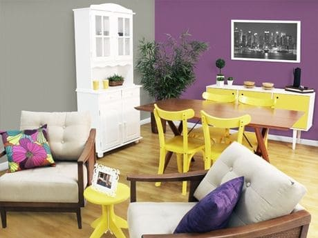 1. Parede roxa e móveis amarelos (foto: Minha Casa Minha Cara)