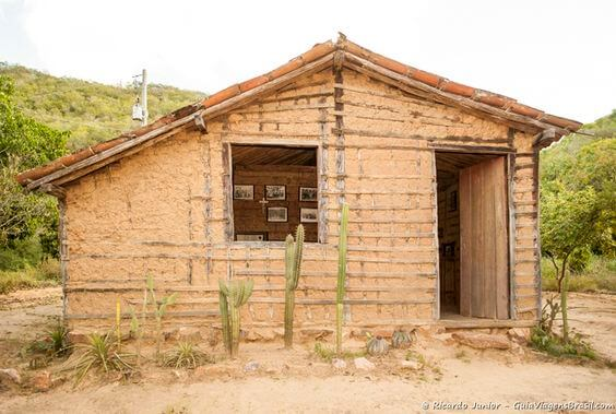 Tipos de Casas: Casa de Pau a Pique (foto: Pinterest)