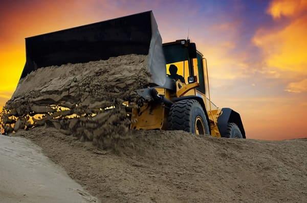 O que é topografia: levantamento topográfico é usado para verificar necessidade de escavações de terra (foto: encontragoiania.com)