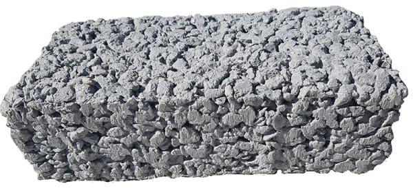 Piso drenante é feito com resíduos reaproveitados ou bases naturais