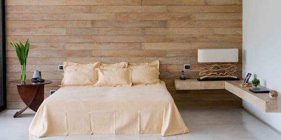 Porcelanato madeira clara: porcelanato para parede de quarto com paginação de tijolinho (foto: Pinterest)