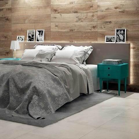 Porcelanato para parede de quarto que imita madeira (foto: Pinterest)