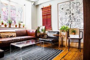 tapeçaria vermelha em sala de estar foto Kika Junqueira