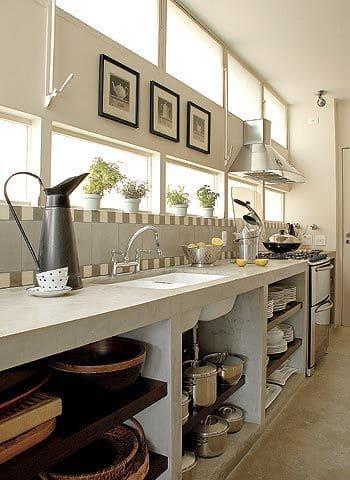 Cozinha de alvenaria com nichos (foto: Revista Casa e Jardim)