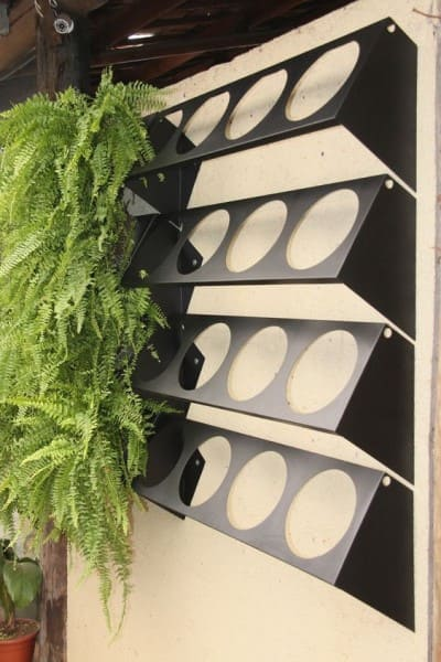Muro verde criado com sistema de módulos (foto: Elo 7)