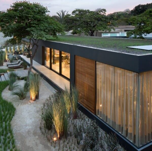 A Casa SysHaus consiste em uma arquitetura modular feita 100% de materiais recicláveis