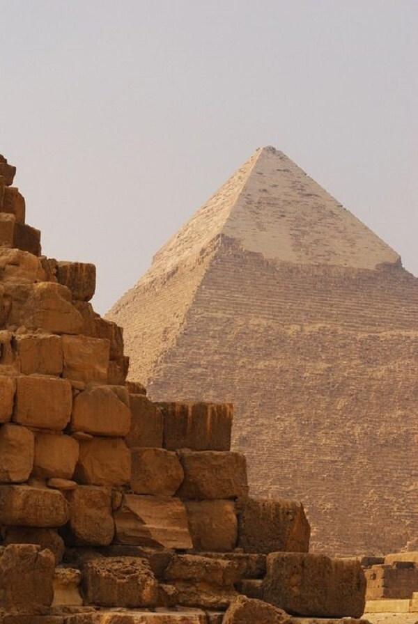 As Pirâmides do Egito são fascinantes e despertam a curiosidade de muitas pessoas