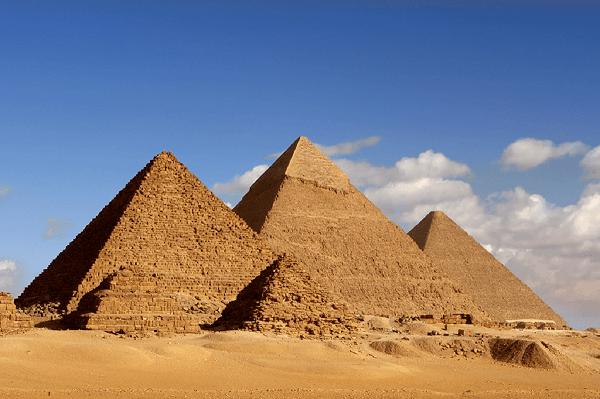 As Pirâmides do Egito serviam para guardar os corpos dos faraós