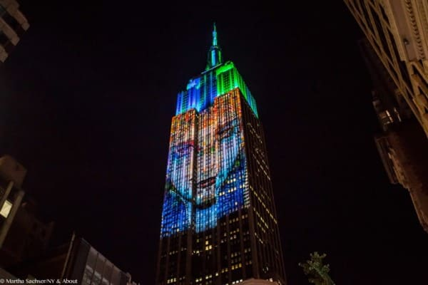 Empire State Building com luzes de led (foto: Ny & About)