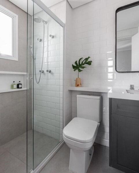 Nicho de porcelanato e revestimento metro white (foto: Tua Casa)