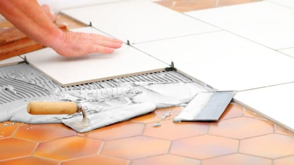 Como colocar piso: cerâmica sobre cerâmica (foto: Pinterest)