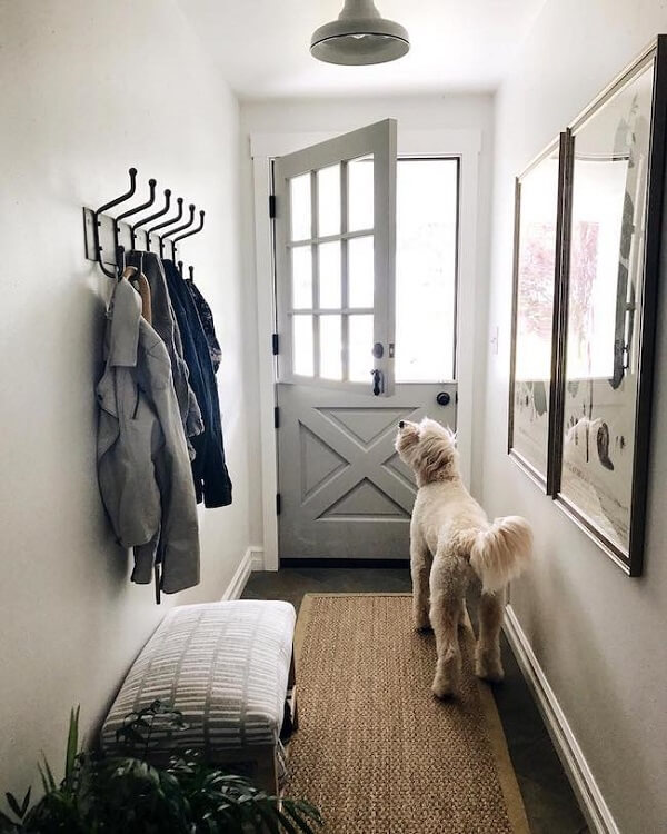 Esse modelo de porta evita a saída dos animais de estimação para fora da casa
