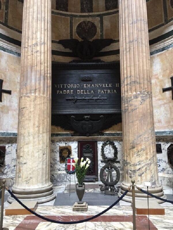 O Panteão Roma foi usado como túmulo de diversas personalidades importantes