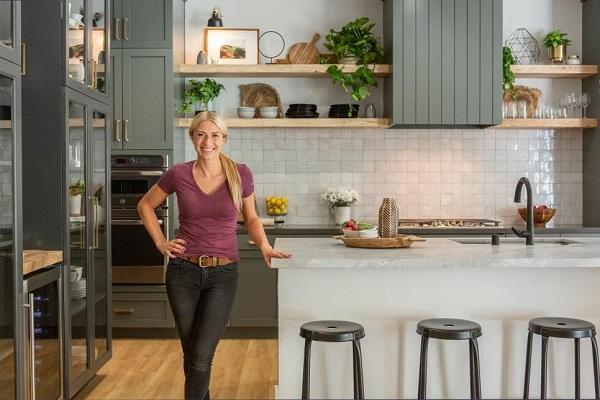 A Reforma personalizada com Jasmine Roth é um programa de reforma de casas h&h