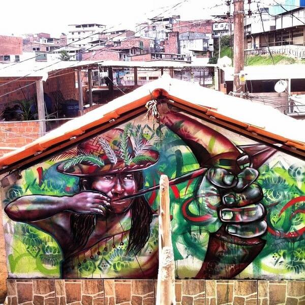 Arte urbana em grafite exposta em Salvador, Bahia
