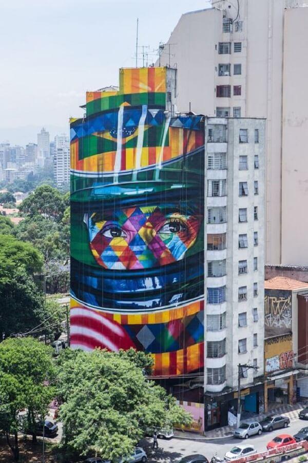 Ayrton Senna foi homenageado por meio dessa arte urbana criada pelo artista Kobra