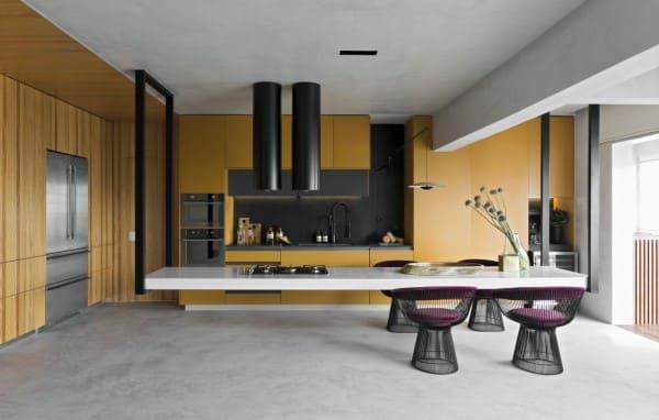 Estilos de casas: decoração contemporânea em cozinha (foto: Diego Revollo)