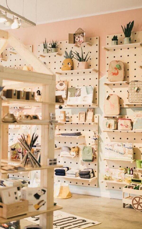 Lojas e departamentos podem fazer uso do pegboard para apresentação dos produtos