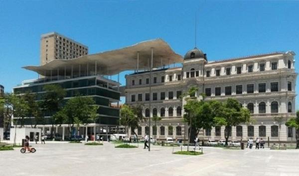 O Museu de Arte do Rio está localizado na Praça Mauá, no centro do Rio de Janeiro
