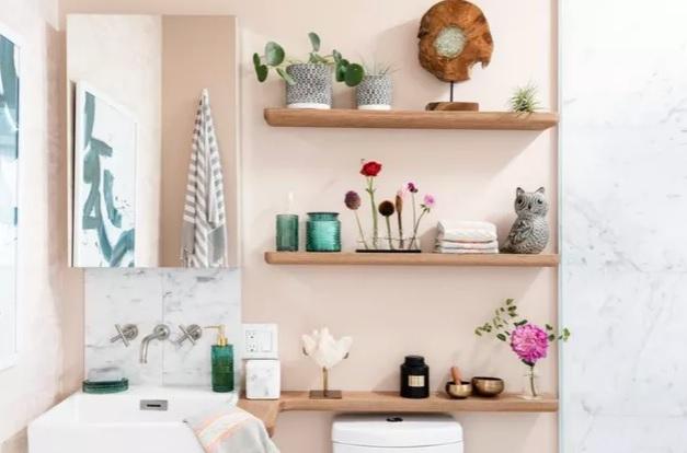 2. O que é Rodabanca: Rodabanca de porcelanato no banheiro (foto: Decor Style)