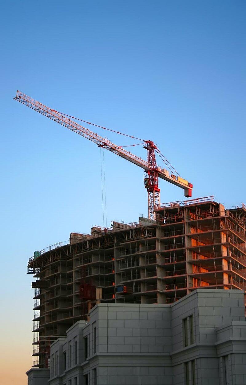 A verticalização urbana consiste na construção de grandes e inúmeros edifícios. Fonte: Pexels