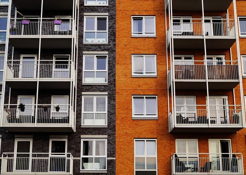 A verticalização quando feita de maneira desordenada pode contribuir com a formação do fenômeno conhecido como ilhas de calor. Fonte: Pexels - Crédito George Becker