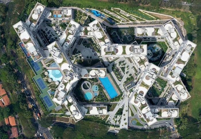 Partido arquitetônico: vista aérea do edifício The Interlace. Fonte: Archello