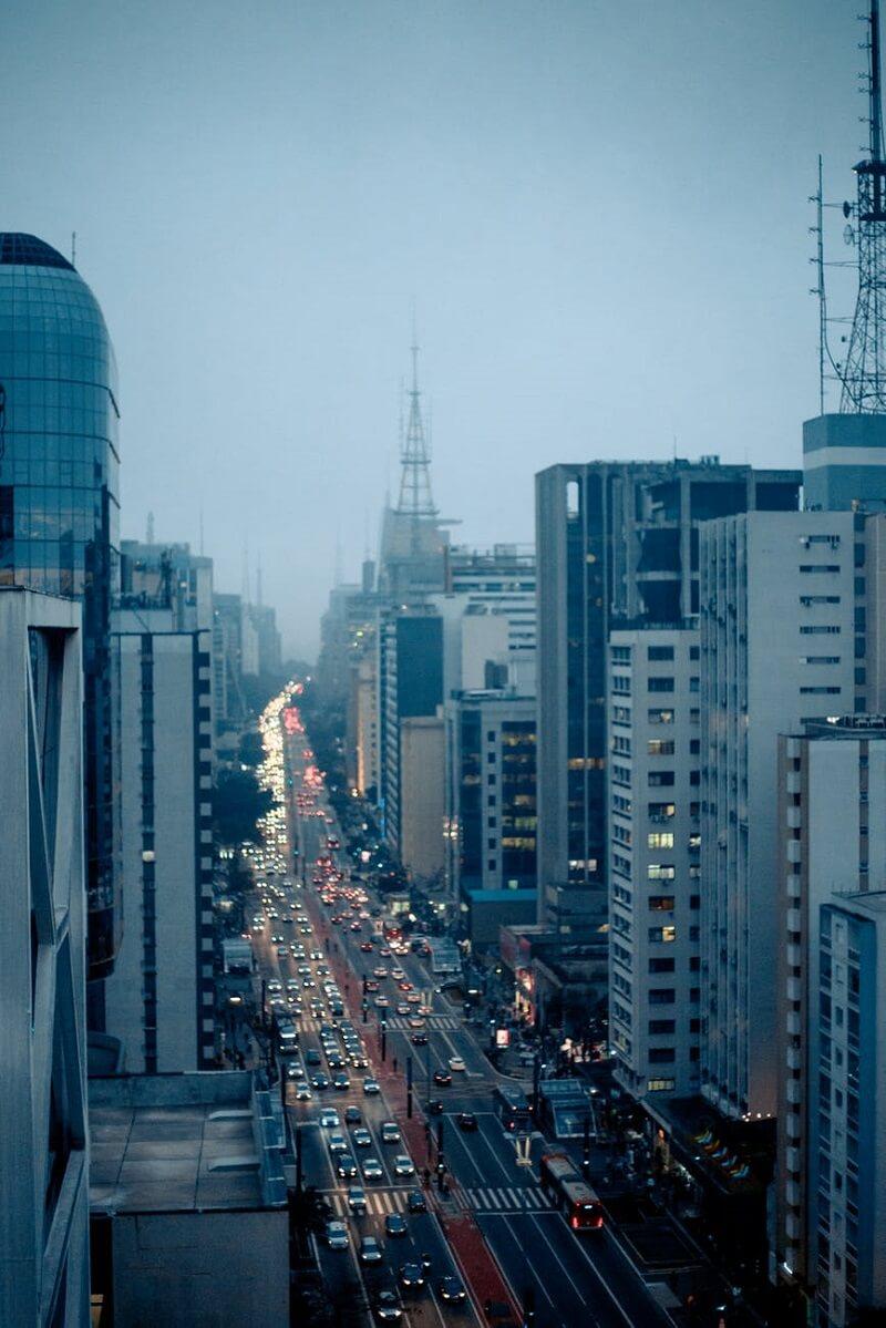 Verticalização urbana no Brasil: Avenida Paulista. Fonte: Pexels Crédito Matheus Souza