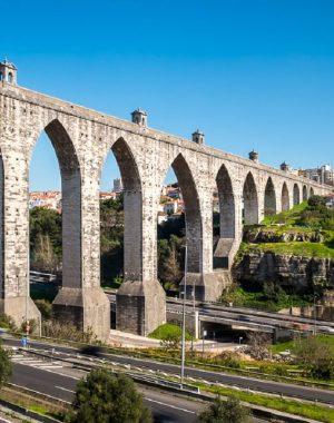 O arco ogival marca presença no aqueduto das águas livres, em Lisboa. Fonte: Pinterest