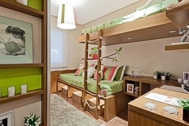 Cama multifuncional com nichos que auxiliam na organização do quarto das crianças. Fonte: Sesso & Dalanezi Arquitetura+Design