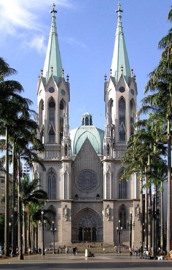 O arco ogival gótico está presente na estrutura da Catedral da Sé, em São Paulo - Brasil. Fonte: Pinterest