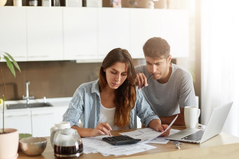 Conheça os melhores hacks para fazer uma gestão financeira de obra que seja eficiente. Fonte: Blog Veja Obra