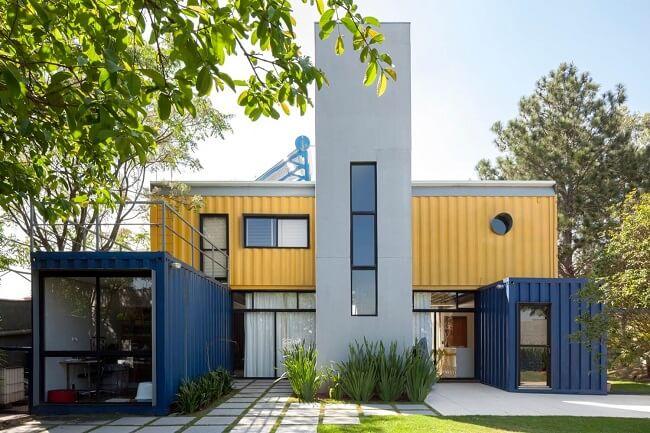 Design biofílico: Casa Container construída na Granja Viana, em Cotia (SP) pelo arquiteto Danilo Corbas. Fonte: Pinterest